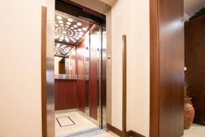 A bathroom at Hotel Giovanni Giacomo