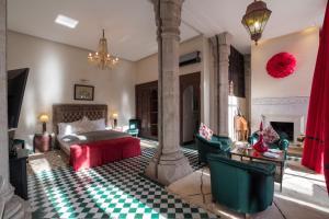 Restaurant ou autre lieu de restauration dans l'établissement Le Palais Rhoul and Spa