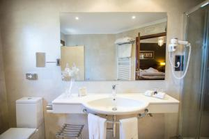 Un baño de Hotel Swiss Moraira