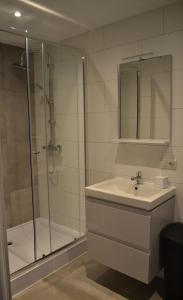 A bathroom at hotel vallis
