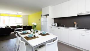 A kitchen or kitchenette at Unilodge @ UC Short Stays