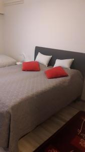 Кровать или кровати в номере Karemajat Panorama hotel