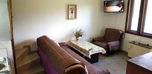 Prostor za sedenje u objektu Zavojsko jezero Pirot - Kuća Pepa