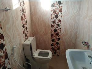 A bathroom at Magampura Villa