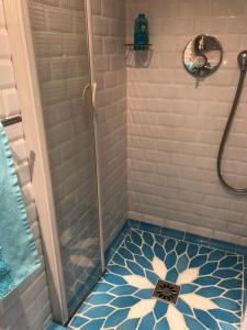 A bathroom at Les Grimaldines - Maison d'Hôtes