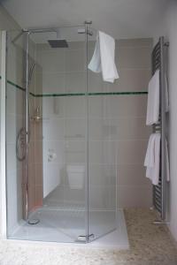 A bathroom at B&B Rafters