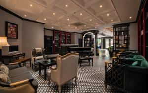 The lounge or bar area at Acoustic Hotel & Spa