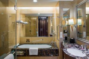 A bathroom at Shangri-La Chengdu