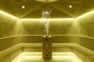 A bathroom at Hotel Bismarck