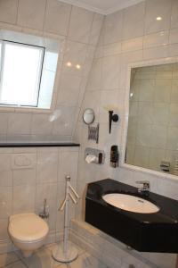 A bathroom at Hotel Wernerwald