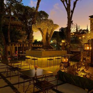 A restaurant or other place to eat at Hotel Valle Dincanto