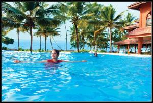 المسبح في منتجع ليك سونغ أو بالجوار
