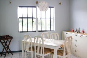 Um restaurante ou outro lugar para comer em Casa Peters Curaçao