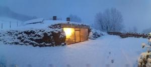 Casa Rural Sastizar during the winter