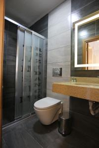A bathroom at T-Square Residence