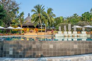 The swimming pool at or close to Paradee Resort