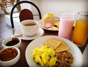 Breakfast options available to guests at Hotel Paraiso