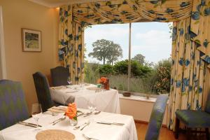 A restaurant or other place to eat at Shallowdale House