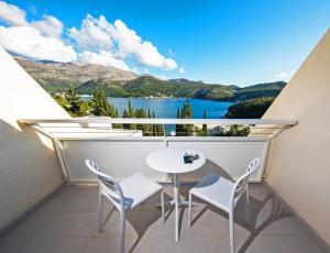 Een balkon of terras bij Hotel Osmine - All Inclusive
