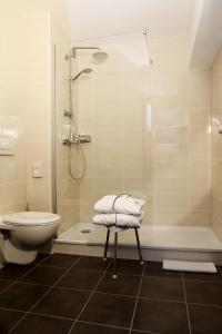 A bathroom at Flair Hotel Dobrachtal