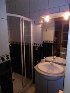 Ein Badezimmer in der Unterkunft Bruges Blankenberge Coast Condo