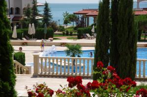 Вид на бассейн в Casa Real или окрестностях