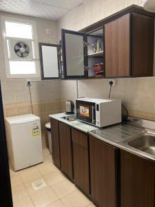 مطبخ أو مطبخ صغير في غالية أحد