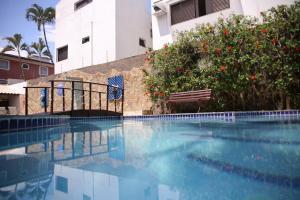 A piscina localizada em Hotel Ilhas da Grécia ou nos arredores