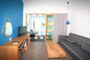 A seating area at Meropi Hotel & Apartments