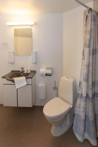 Et badeværelse på Foldens Hotel