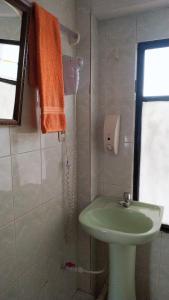 A bathroom at Hotel Utama