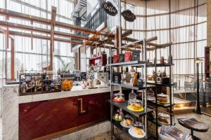 A restaurant or other place to eat at Paramount Hotel Dubai