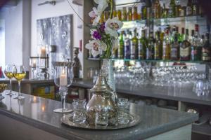 Salon ou bar de l'établissement Hôtel Le Méditerranée