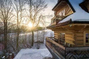 """Obiekt Rent like home - Dom """"Willa Pitoniówka"""" zimą"""