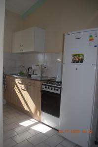 A cozinha ou cozinha compacta de Seru Coral Resort