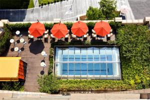 A view of the pool at Kempinski The One Suites Hotel Shanghai Downtown or nearby