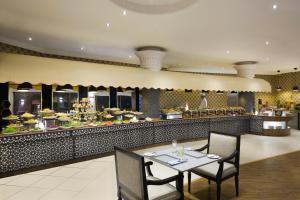 مطعم أو مكان آخر لتناول الطعام في كراون بلازا قصر الرياض