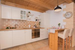 Cuisine ou kitchenette dans l'établissement Agrotourism Kalpic