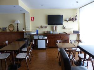 A restaurant or other place to eat at Hotel Les Truites