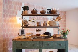 Кухня или мини-кухня в The 15th Boutique Hotel 4*