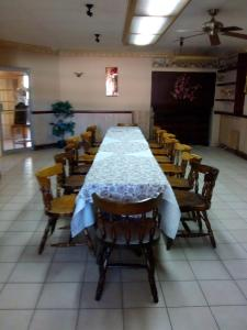 A restaurant or other place to eat at Hotel Imperial Saltillo