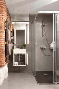 Un baño de Eric Vökel Boutique Apartments - Madrid Suites