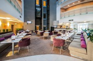 Ресторан / где поесть в Omega Sirius