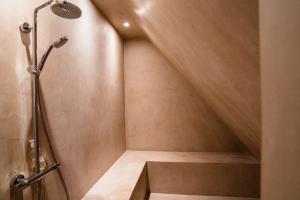 A bathroom at Dartmoor cottage