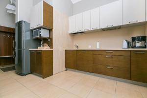 Кухня или мини-кухня в Ладожская Усадьба