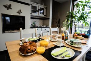 Breakfast options available to guests at Dartmoor cottage