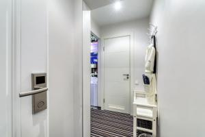 A bathroom at Gipnoz Aviamotornaya