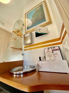 A bathroom at Giovanni Rooms Manarola