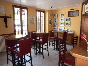 Restaurant ou autre lieu de restauration dans l'établissement Logis Le Tadorne