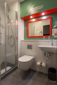 A bathroom at Good Morning Gelsenkirchen City